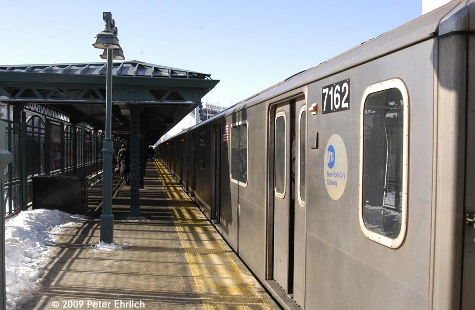 (193k, 930x608)<br><b>Country:</b> United States<br><b>City:</b> New York<br><b>System:</b> New York City Transit<br><b>Line:</b> IRT Woodlawn Line<br><b>Location:</b> 161st Street/River Avenue (Yankee Stadium) <br><b>Route:</b> 4<br><b>Car:</b> R-142 (Option Order, Bombardier, 2002-2003)  7162 <br><b>Photo by:</b> Peter Ehrlich<br><b>Date:</b> 3/4/2009<br><b>Notes:</b> Outbound.<br><b>Viewed (this week/total):</b> 0 / 1232