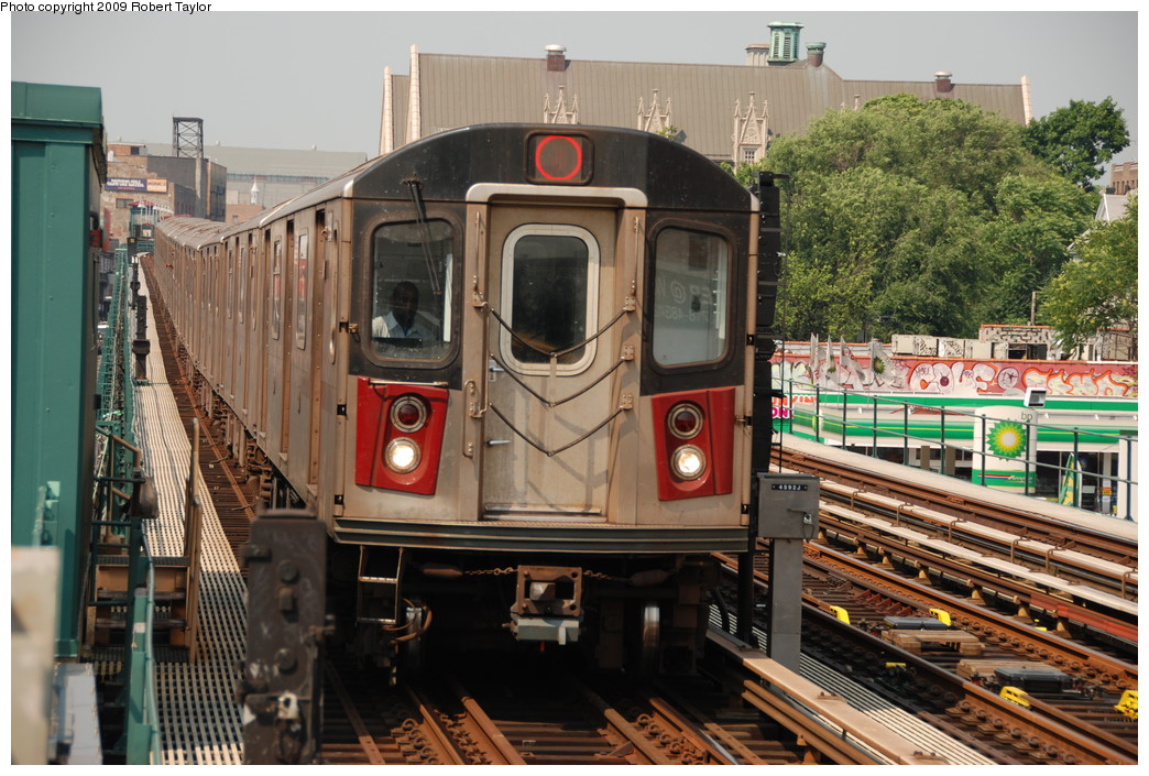(304k, 1044x705)<br><b>Country:</b> United States<br><b>City:</b> New York<br><b>System:</b> New York City Transit<br><b>Line:</b> IRT Woodlawn Line<br><b>Location:</b> 183rd Street <br><b>Route:</b> 4<br><b>Car:</b> R-142A (Supplemental Order, Kawasaki, 2003-2004)  7785 <br><b>Photo by:</b> Robert Taylor<br><b>Date:</b> 6/10/2008<br><b>Viewed (this week/total):</b> 7 / 1516