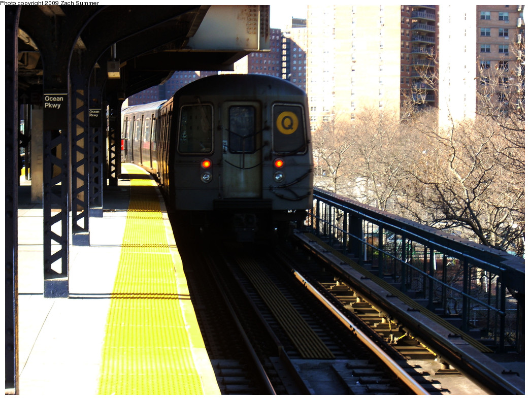 (300k, 1044x788)<br><b>Country:</b> United States<br><b>City:</b> New York<br><b>System:</b> New York City Transit<br><b>Line:</b> BMT Brighton Line<br><b>Location:</b> Ocean Parkway <br><b>Route:</b> Q<br><b>Car:</b> R-68A (Kawasaki, 1988-1989)  5154 <br><b>Photo by:</b> Zach Summer<br><b>Date:</b> 12/29/2008<br><b>Viewed (this week/total):</b> 0 / 1078