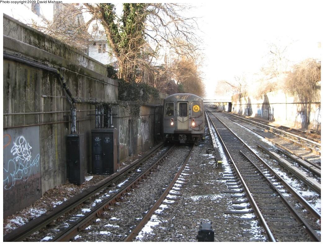 (295k, 1044x788)<br><b>Country:</b> United States<br><b>City:</b> New York<br><b>System:</b> New York City Transit<br><b>Line:</b> BMT Brighton Line<br><b>Location:</b> Newkirk Plaza (fmrly Newkirk Ave.) <br><b>Route:</b> Q<br><b>Car:</b> R-68A (Kawasaki, 1988-1989)   <br><b>Photo by:</b> David M. <br><b>Date:</b> 1/16/2009<br><b>Viewed (this week/total):</b> 0 / 1423