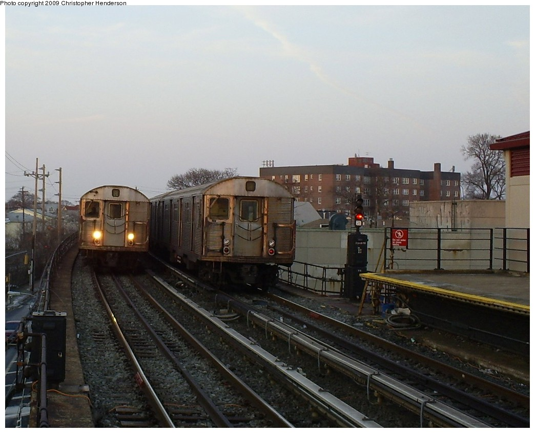 (180k, 1044x846)<br><b>Country:</b> United States<br><b>City:</b> New York<br><b>System:</b> New York City Transit<br><b>Line:</b> IND Rockaway<br><b>Location:</b> Beach 25th Street/Wavecrest <br><b>Route:</b> A<br><b>Car:</b> R-32 (Budd, 1964)  3411/3688 <br><b>Photo by:</b> Christopher Henderson<br><b>Date:</b> 3/6/2009<br><b>Viewed (this week/total):</b> 2 / 1720