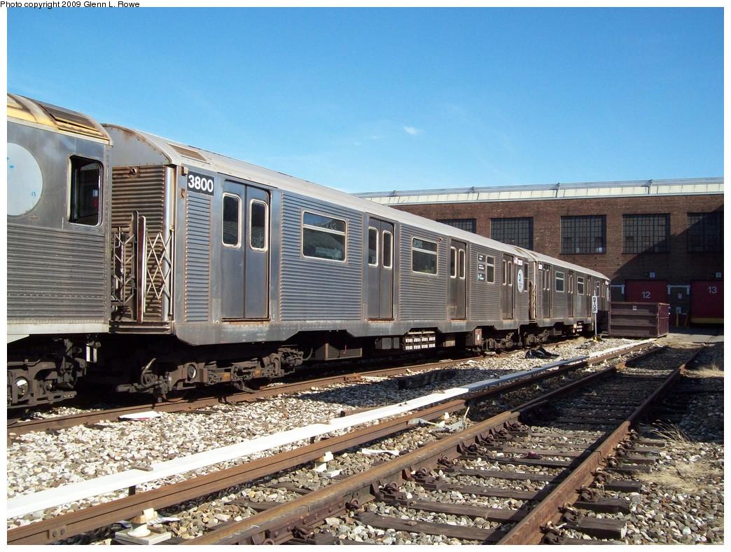 (277k, 1044x788)<br><b>Country:</b> United States<br><b>City:</b> New York<br><b>System:</b> New York City Transit<br><b>Location:</b> 207th Street Yard<br><b>Car:</b> R-32 (Budd, 1964)  3800 <br><b>Photo by:</b> Glenn L. Rowe<br><b>Date:</b> 3/12/2009<br><b>Viewed (this week/total):</b> 0 / 941