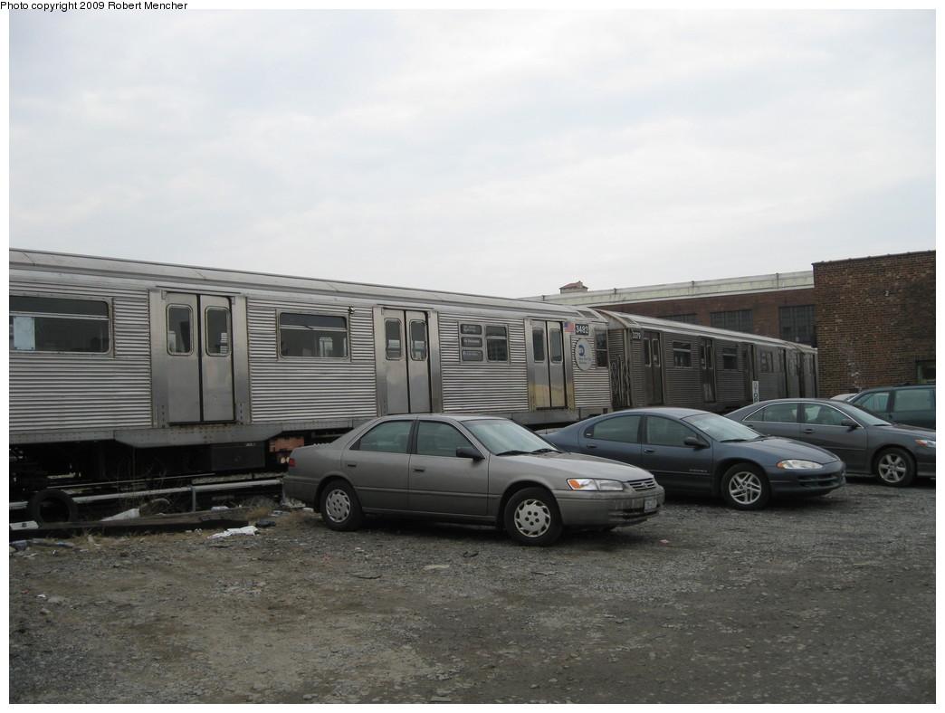 (176k, 1044x788)<br><b>Country:</b> United States<br><b>City:</b> New York<br><b>System:</b> New York City Transit<br><b>Location:</b> 207th Street Yard<br><b>Car:</b> R-32 (Budd, 1964)  3482 <br><b>Photo by:</b> Robert Mencher<br><b>Date:</b> 3/7/2009<br><b>Viewed (this week/total):</b> 0 / 788