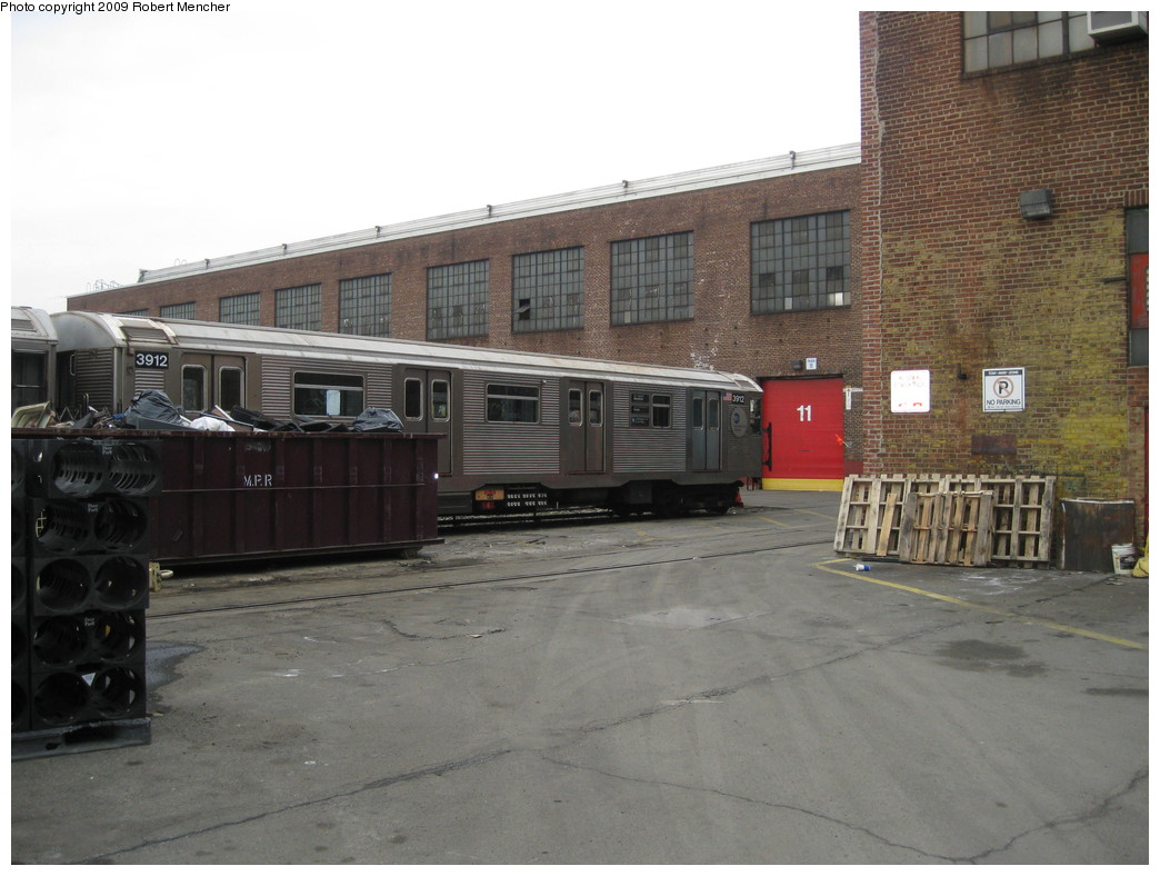 (198k, 1044x788)<br><b>Country:</b> United States<br><b>City:</b> New York<br><b>System:</b> New York City Transit<br><b>Location:</b> 207th Street Yard<br><b>Car:</b> R-32 (Budd, 1964)  3912 <br><b>Photo by:</b> Robert Mencher<br><b>Date:</b> 3/7/2009<br><b>Viewed (this week/total):</b> 0 / 766