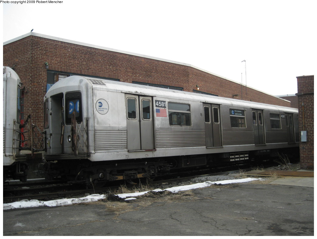(192k, 1044x788)<br><b>Country:</b> United States<br><b>City:</b> New York<br><b>System:</b> New York City Transit<br><b>Location:</b> 207th Street Yard<br><b>Car:</b> R-42 (St. Louis, 1969-1970)  4581 <br><b>Photo by:</b> Robert Mencher<br><b>Date:</b> 3/7/2009<br><b>Viewed (this week/total):</b> 0 / 926