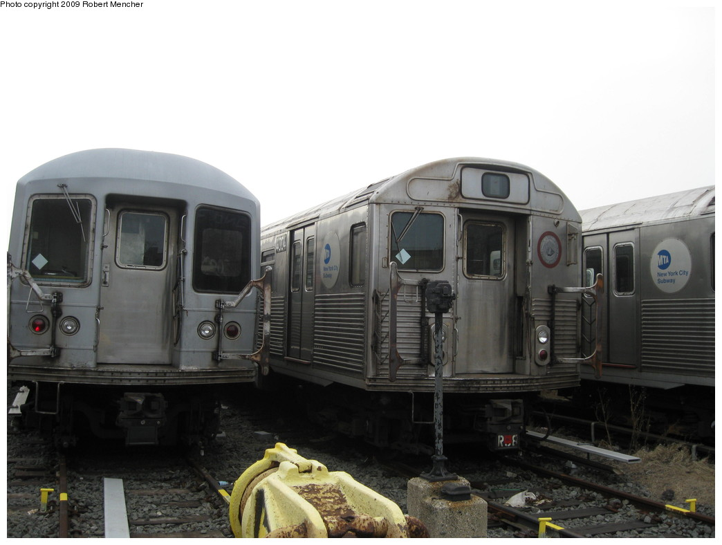 (162k, 1044x788)<br><b>Country:</b> United States<br><b>City:</b> New York<br><b>System:</b> New York City Transit<br><b>Location:</b> 207th Street Yard<br><b>Car:</b> R-38 (St. Louis, 1966-1967)  4004 <br><b>Photo by:</b> Robert Mencher<br><b>Date:</b> 3/7/2009<br><b>Viewed (this week/total):</b> 3 / 840