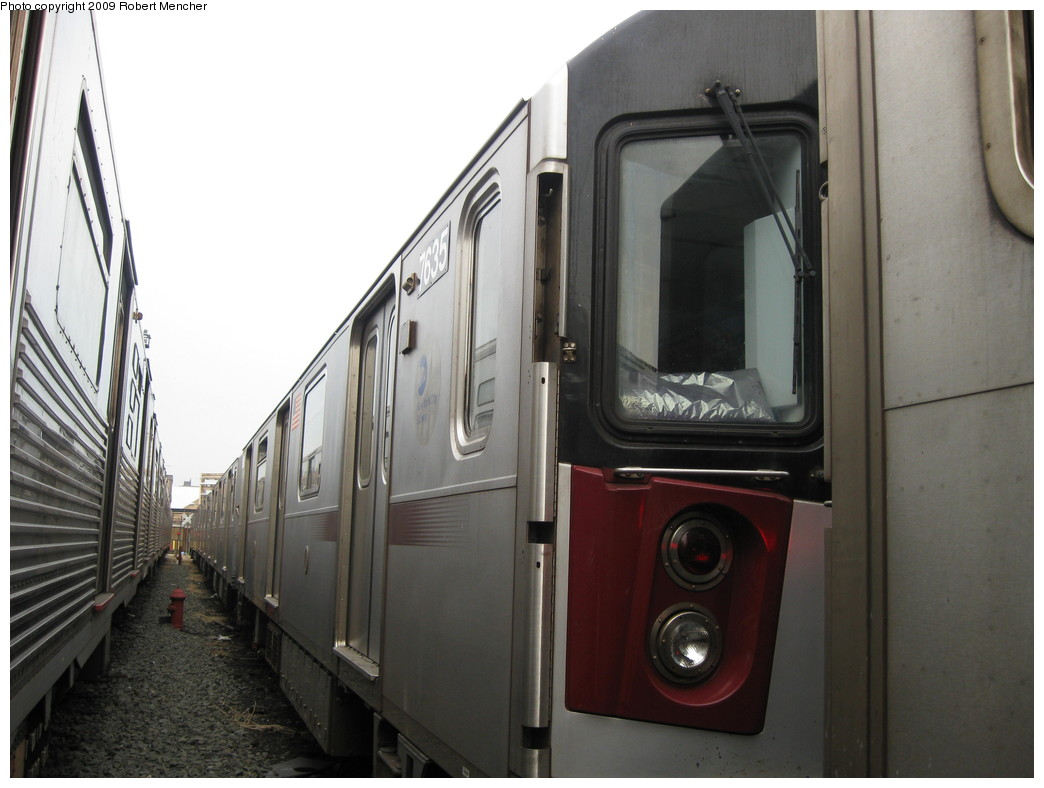 (168k, 1044x788)<br><b>Country:</b> United States<br><b>City:</b> New York<br><b>System:</b> New York City Transit<br><b>Location:</b> 207th Street Yard<br><b>Car:</b> R-142A (Option Order, Kawasaki, 2002-2003)  7635 <br><b>Photo by:</b> Robert Mencher<br><b>Date:</b> 3/7/2009<br><b>Viewed (this week/total):</b> 1 / 1383