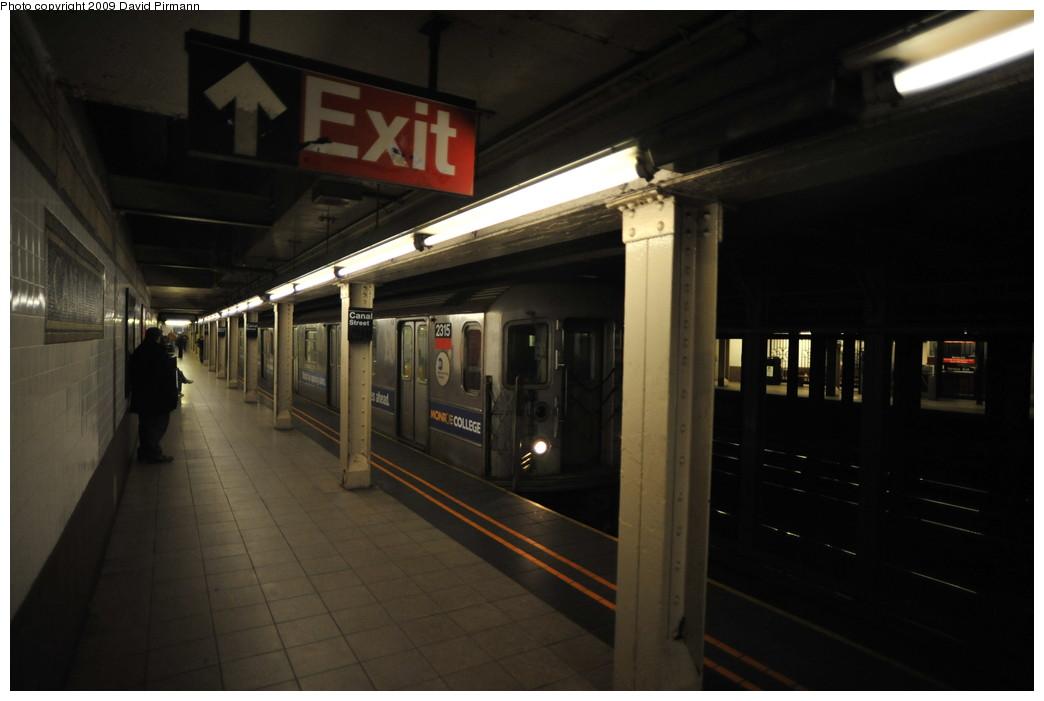 (186k, 1044x701)<br><b>Country:</b> United States<br><b>City:</b> New York<br><b>System:</b> New York City Transit<br><b>Line:</b> IRT West Side Line<br><b>Location:</b> Canal Street <br><b>Route:</b> 1<br><b>Car:</b> R-62A (Bombardier, 1984-1987)  2315 <br><b>Photo by:</b> David Pirmann<br><b>Date:</b> 3/15/2009<br><b>Viewed (this week/total):</b> 0 / 1881
