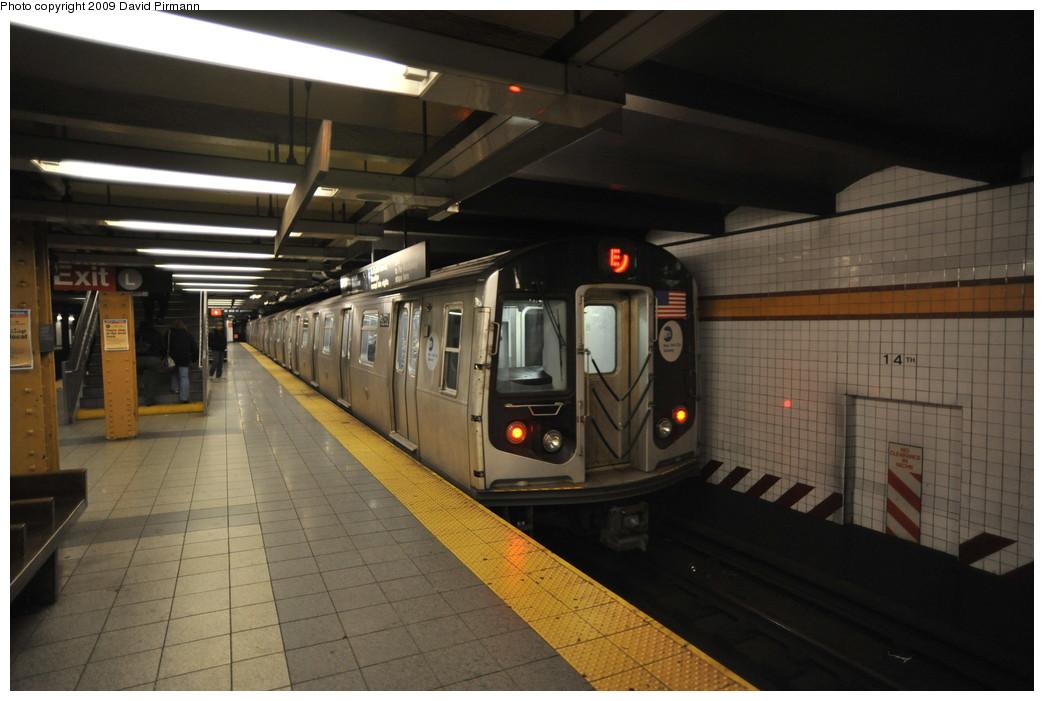 (221k, 1044x701)<br><b>Country:</b> United States<br><b>City:</b> New York<br><b>System:</b> New York City Transit<br><b>Line:</b> IND 8th Avenue Line<br><b>Location:</b> 14th Street <br><b>Route:</b> E<br><b>Car:</b> R-160A (Option 1) (Alstom, 2008-2009, 5 car sets)  9252 <br><b>Photo by:</b> David Pirmann<br><b>Date:</b> 3/15/2009<br><b>Viewed (this week/total):</b> 4 / 1373