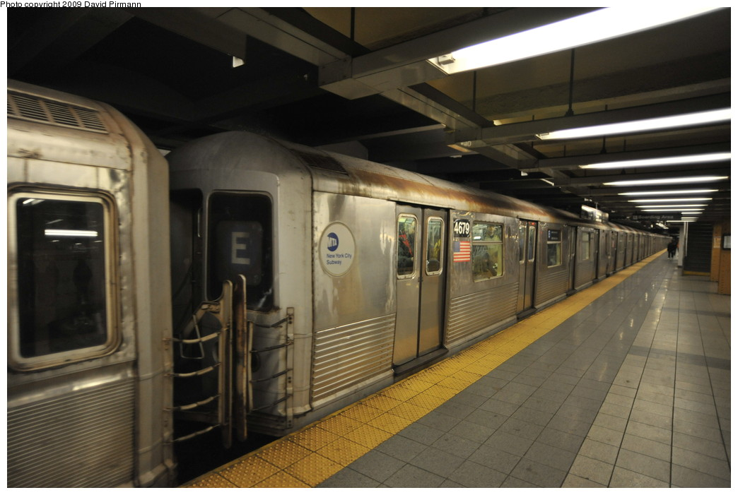 (224k, 1044x701)<br><b>Country:</b> United States<br><b>City:</b> New York<br><b>System:</b> New York City Transit<br><b>Line:</b> IND 8th Avenue Line<br><b>Location:</b> 14th Street <br><b>Route:</b> E<br><b>Car:</b> R-42 (St. Louis, 1969-1970)  4679 <br><b>Photo by:</b> David Pirmann<br><b>Date:</b> 3/15/2009<br><b>Viewed (this week/total):</b> 1 / 1129