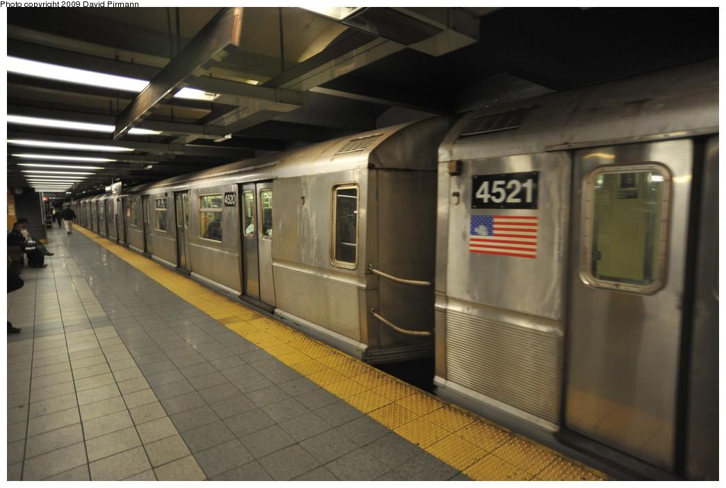 (223k, 1044x701)<br><b>Country:</b> United States<br><b>City:</b> New York<br><b>System:</b> New York City Transit<br><b>Line:</b> IND 8th Avenue Line<br><b>Location:</b> 14th Street <br><b>Route:</b> E<br><b>Car:</b> R-40M (St. Louis, 1969)  4520 <br><b>Photo by:</b> David Pirmann<br><b>Date:</b> 3/15/2009<br><b>Viewed (this week/total):</b> 0 / 969