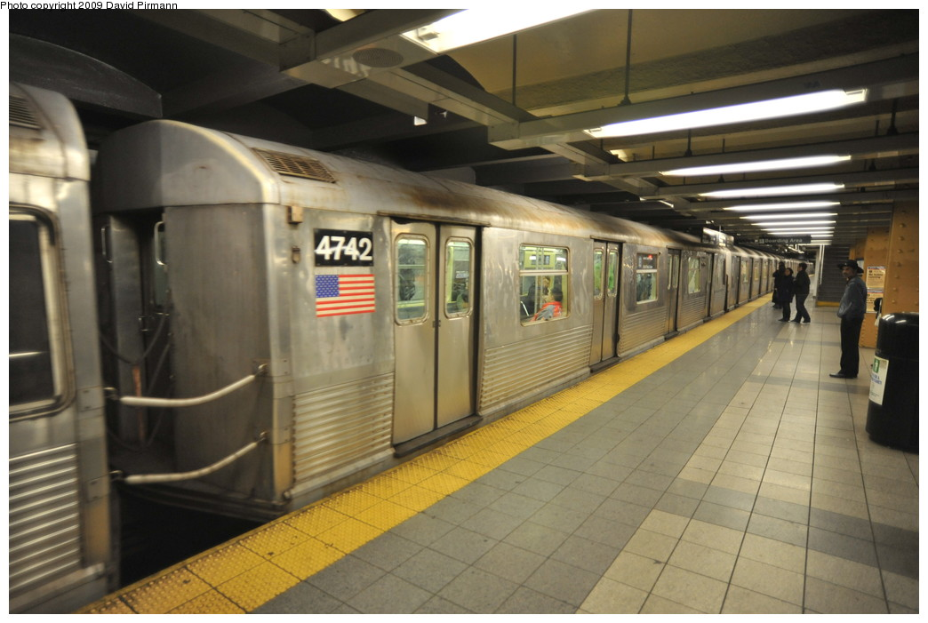 (230k, 1044x701)<br><b>Country:</b> United States<br><b>City:</b> New York<br><b>System:</b> New York City Transit<br><b>Line:</b> IND 8th Avenue Line<br><b>Location:</b> 14th Street <br><b>Route:</b> E<br><b>Car:</b> R-42 (St. Louis, 1969-1970)  4742 <br><b>Photo by:</b> David Pirmann<br><b>Date:</b> 3/15/2009<br><b>Viewed (this week/total):</b> 0 / 989