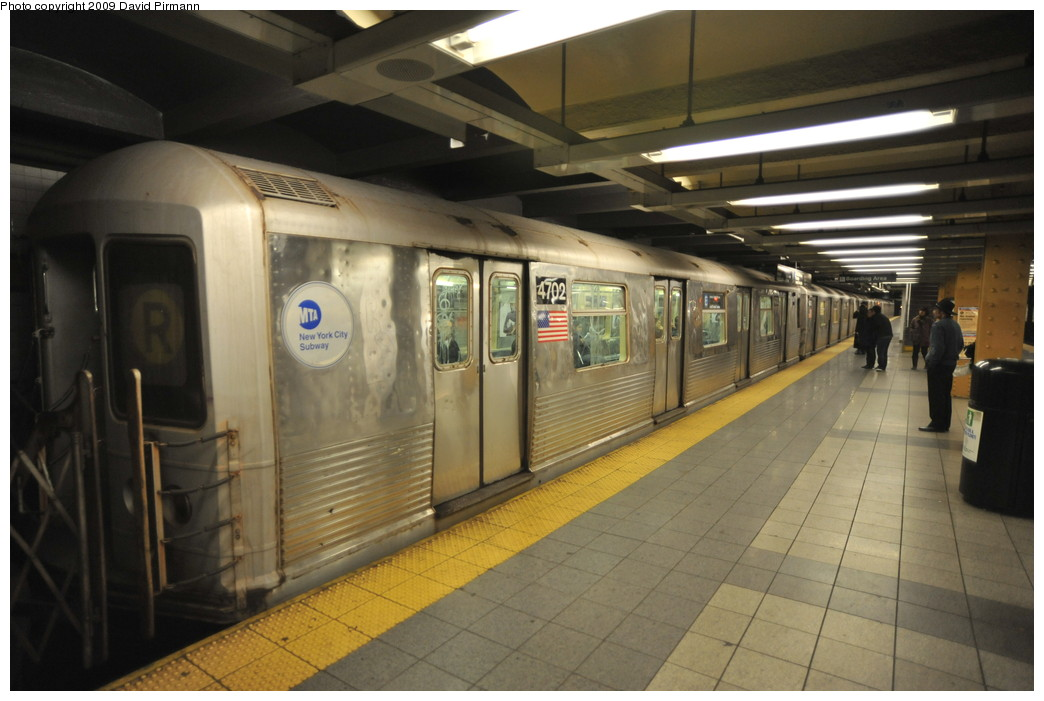 (226k, 1044x701)<br><b>Country:</b> United States<br><b>City:</b> New York<br><b>System:</b> New York City Transit<br><b>Line:</b> IND 8th Avenue Line<br><b>Location:</b> 14th Street <br><b>Route:</b> E<br><b>Car:</b> R-42 (St. Louis, 1969-1970)  4702 <br><b>Photo by:</b> David Pirmann<br><b>Date:</b> 3/15/2009<br><b>Viewed (this week/total):</b> 0 / 916