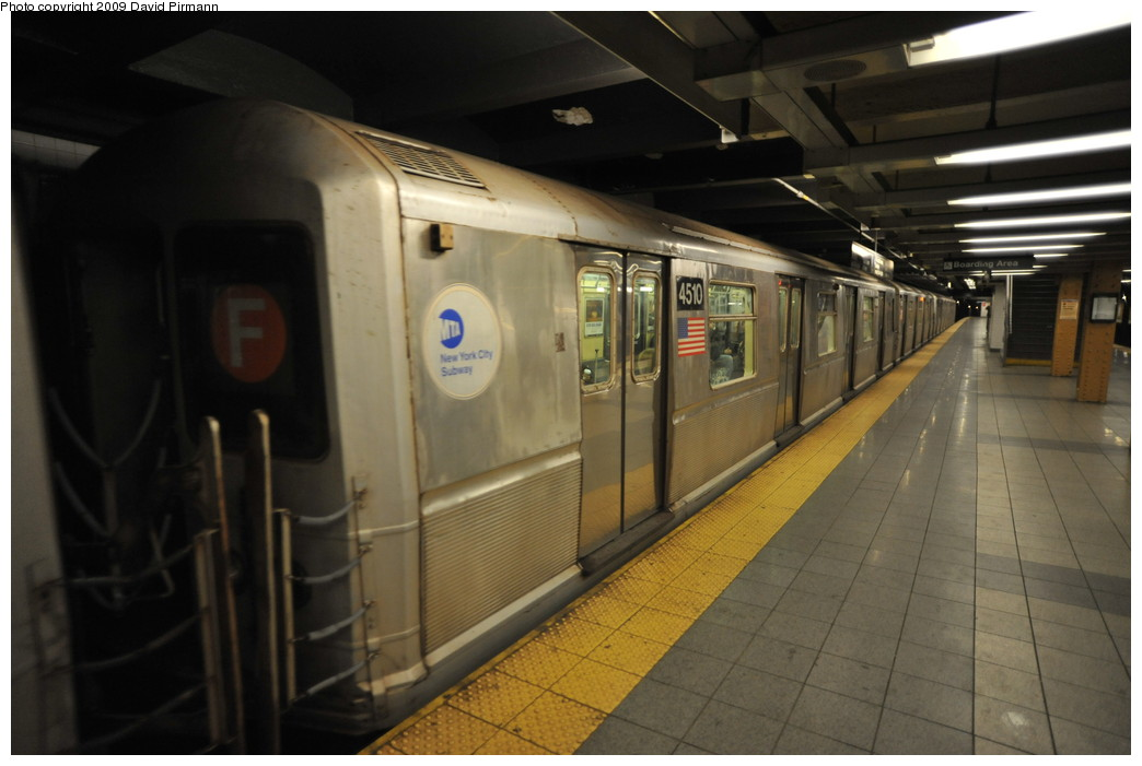 (208k, 1044x701)<br><b>Country:</b> United States<br><b>City:</b> New York<br><b>System:</b> New York City Transit<br><b>Line:</b> IND 8th Avenue Line<br><b>Location:</b> 14th Street <br><b>Route:</b> E<br><b>Car:</b> R-40M (St. Louis, 1969)  4510 <br><b>Photo by:</b> David Pirmann<br><b>Date:</b> 3/15/2009<br><b>Viewed (this week/total):</b> 0 / 1168