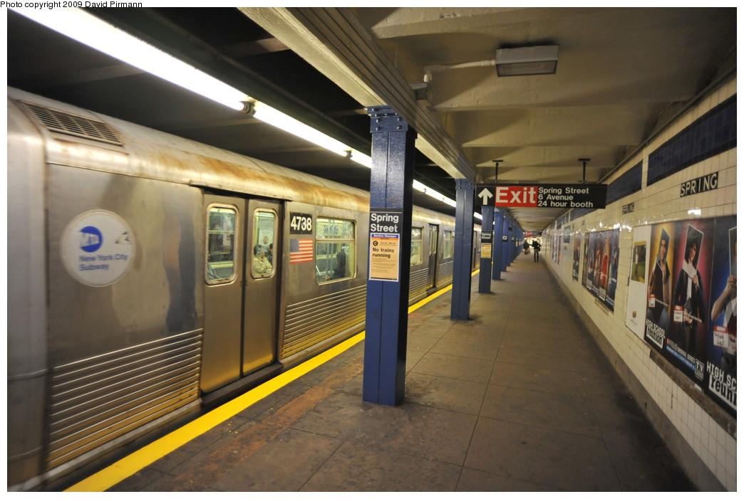 (246k, 1044x701)<br><b>Country:</b> United States<br><b>City:</b> New York<br><b>System:</b> New York City Transit<br><b>Line:</b> IND 8th Avenue Line<br><b>Location:</b> Spring Street <br><b>Route:</b> E<br><b>Car:</b> R-42 (St. Louis, 1969-1970)  4738 <br><b>Photo by:</b> David Pirmann<br><b>Date:</b> 3/15/2009<br><b>Viewed (this week/total):</b> 1 / 1577
