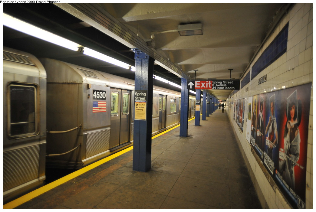 (234k, 1044x701)<br><b>Country:</b> United States<br><b>City:</b> New York<br><b>System:</b> New York City Transit<br><b>Line:</b> IND 8th Avenue Line<br><b>Location:</b> Spring Street <br><b>Route:</b> E<br><b>Car:</b> R-40M (St. Louis, 1969)  4530 <br><b>Photo by:</b> David Pirmann<br><b>Date:</b> 3/15/2009<br><b>Viewed (this week/total):</b> 0 / 1383