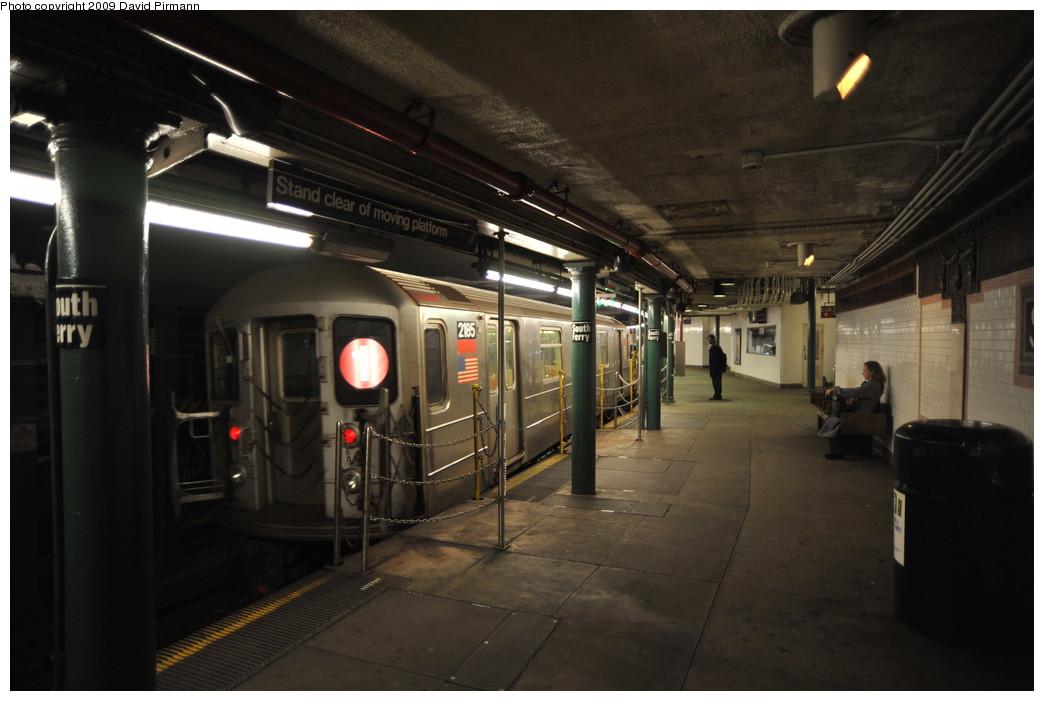 (213k, 1044x701)<br><b>Country:</b> United States<br><b>City:</b> New York<br><b>System:</b> New York City Transit<br><b>Line:</b> IRT West Side Line<br><b>Location:</b> South Ferry (Outer Loop Station) <br><b>Route:</b> 1<br><b>Car:</b> R-62A (Bombardier, 1984-1987)  2185 <br><b>Photo by:</b> David Pirmann<br><b>Date:</b> 3/15/2009<br><b>Notes:</b> Final day of revenue service at loop station.<br><b>Viewed (this week/total):</b> 0 / 1080