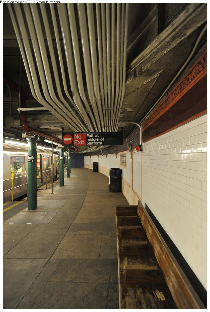 (258k, 701x1043)<br><b>Country:</b> United States<br><b>City:</b> New York<br><b>System:</b> New York City Transit<br><b>Line:</b> IRT West Side Line<br><b>Location:</b> South Ferry (Outer Loop Station) <br><b>Photo by:</b> David Pirmann<br><b>Date:</b> 3/15/2009<br><b>Notes:</b> Platform view. Final day of revenue service at loop station.<br><b>Viewed (this week/total):</b> 0 / 1022