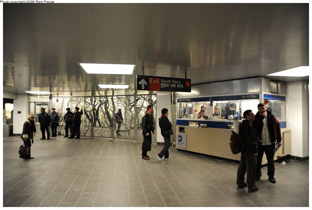 (190k, 1044x702)<br><b>Country:</b> United States<br><b>City:</b> New York<br><b>System:</b> New York City Transit<br><b>Line:</b> IRT West Side Line<br><b>Location:</b> South Ferry (New Station) <br><b>Photo by:</b> Richard Panse<br><b>Date:</b> 3/16/2009<br><b>Notes:</b> Fare control.<br><b>Viewed (this week/total):</b> 2 / 1564