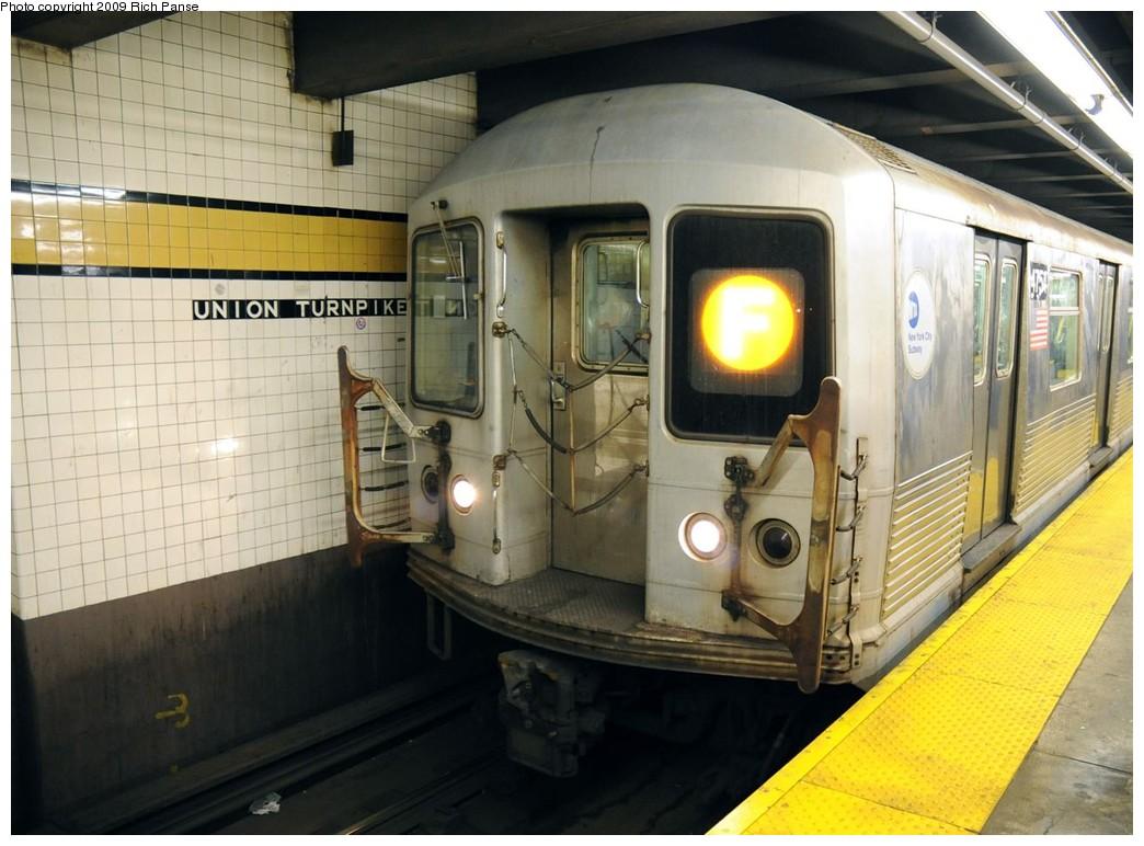 (191k, 1044x772)<br><b>Country:</b> United States<br><b>City:</b> New York<br><b>System:</b> New York City Transit<br><b>Line:</b> IND Queens Boulevard Line<br><b>Location:</b> Union Turnpike/Kew Gardens <br><b>Route:</b> F<br><b>Car:</b> R-42 (St. Louis, 1969-1970)  4754 <br><b>Photo by:</b> Richard Panse<br><b>Date:</b> 3/16/2009<br><b>Viewed (this week/total):</b> 1 / 1575
