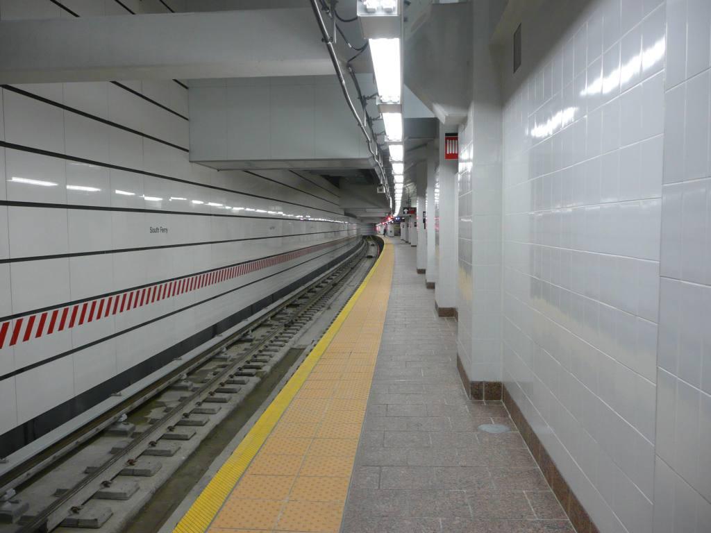 (101k, 1024x768)<br><b>Country:</b> United States<br><b>City:</b> New York<br><b>System:</b> New York City Transit<br><b>Line:</b> IRT West Side Line<br><b>Location:</b> South Ferry (New Station) <br><b>Photo by:</b> Robbie Rosenfeld<br><b>Date:</b> 3/16/2009<br><b>Notes:</b> Trackway view.<br><b>Viewed (this week/total):</b> 3 / 2604
