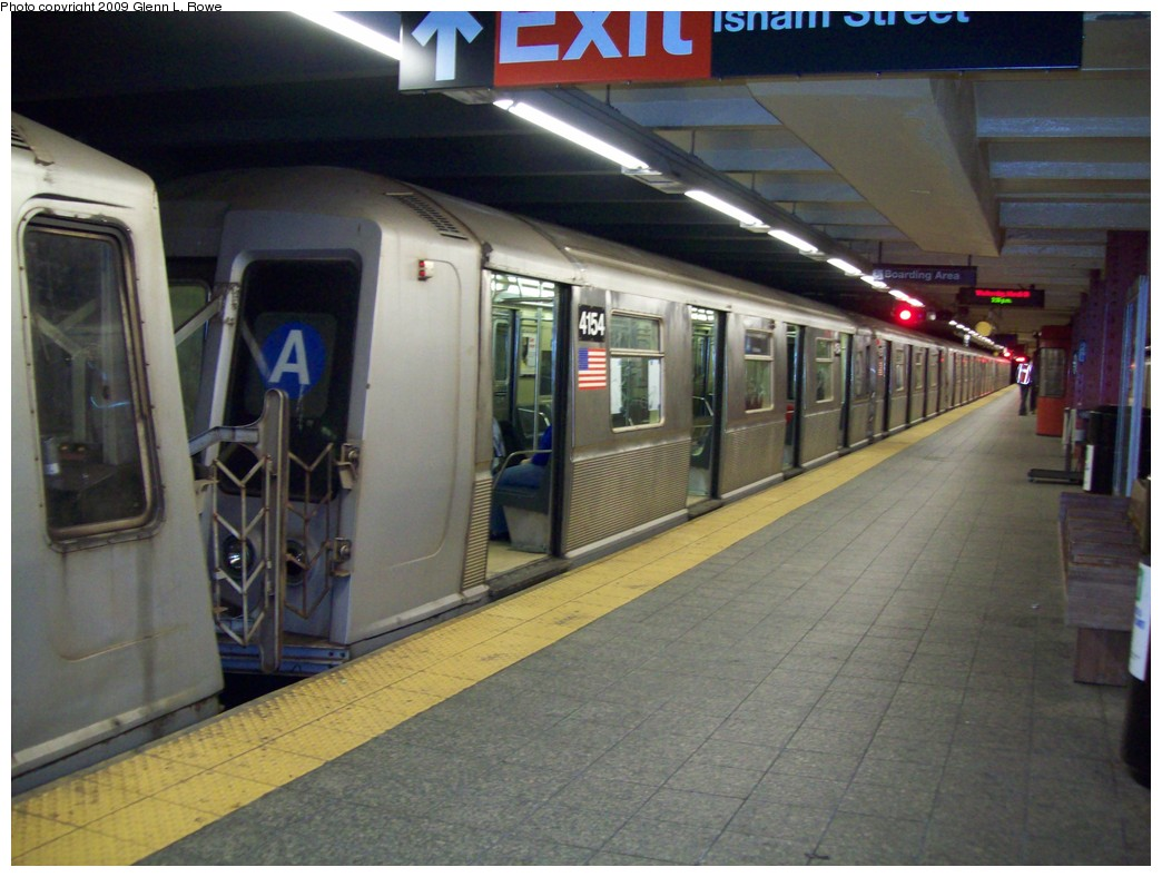 (200k, 1044x788)<br><b>Country:</b> United States<br><b>City:</b> New York<br><b>System:</b> New York City Transit<br><b>Line:</b> IND 8th Avenue Line<br><b>Location:</b> 207th Street <br><b>Route:</b> A<br><b>Car:</b> R-40 (St. Louis, 1968)  4154 <br><b>Photo by:</b> Glenn L. Rowe<br><b>Date:</b> 3/18/2009<br><b>Viewed (this week/total):</b> 3 / 993