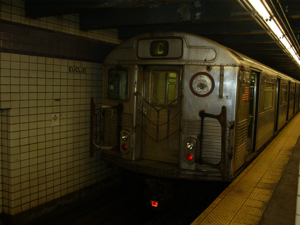 (224k, 1024x768)<br><b>Country:</b> United States<br><b>City:</b> New York<br><b>System:</b> New York City Transit<br><b>Line:</b> IND Fulton Street Line<br><b>Location:</b> Euclid Avenue <br><b>Route:</b> C<br><b>Car:</b> R-38 (St. Louis, 1966-1967)  4098 <br><b>Photo by:</b> Christopher Henderson<br><b>Date:</b> 3/13/2009<br><b>Viewed (this week/total):</b> 2 / 1028
