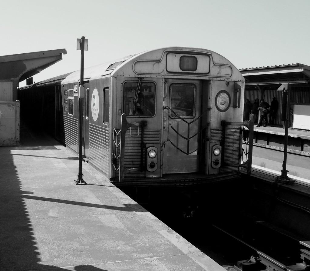 (176k, 1024x894)<br><b>Country:</b> United States<br><b>City:</b> New York<br><b>System:</b> New York City Transit<br><b>Line:</b> IND Fulton Street Line<br><b>Location:</b> Rockaway Boulevard <br><b>Route:</b> A<br><b>Car:</b> R-38 (St. Louis, 1966-1967)  4121 <br><b>Photo by:</b> Christopher Henderson<br><b>Date:</b> 3/13/2009<br><b>Viewed (this week/total):</b> 2 / 1047