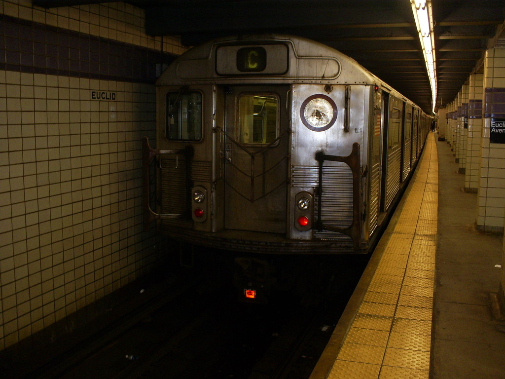(226k, 1024x768)<br><b>Country:</b> United States<br><b>City:</b> New York<br><b>System:</b> New York City Transit<br><b>Line:</b> IND Fulton Street Line<br><b>Location:</b> Euclid Avenue <br><b>Route:</b> C<br><b>Car:</b> R-38 (St. Louis, 1966-1967)  4098 <br><b>Photo by:</b> Christopher Henderson<br><b>Date:</b> 3/18/2009<br><b>Notes:</b> Last R38s in service on their last day-- would be taken out of service on 3/19/09.<br><b>Viewed (this week/total):</b> 0 / 1521