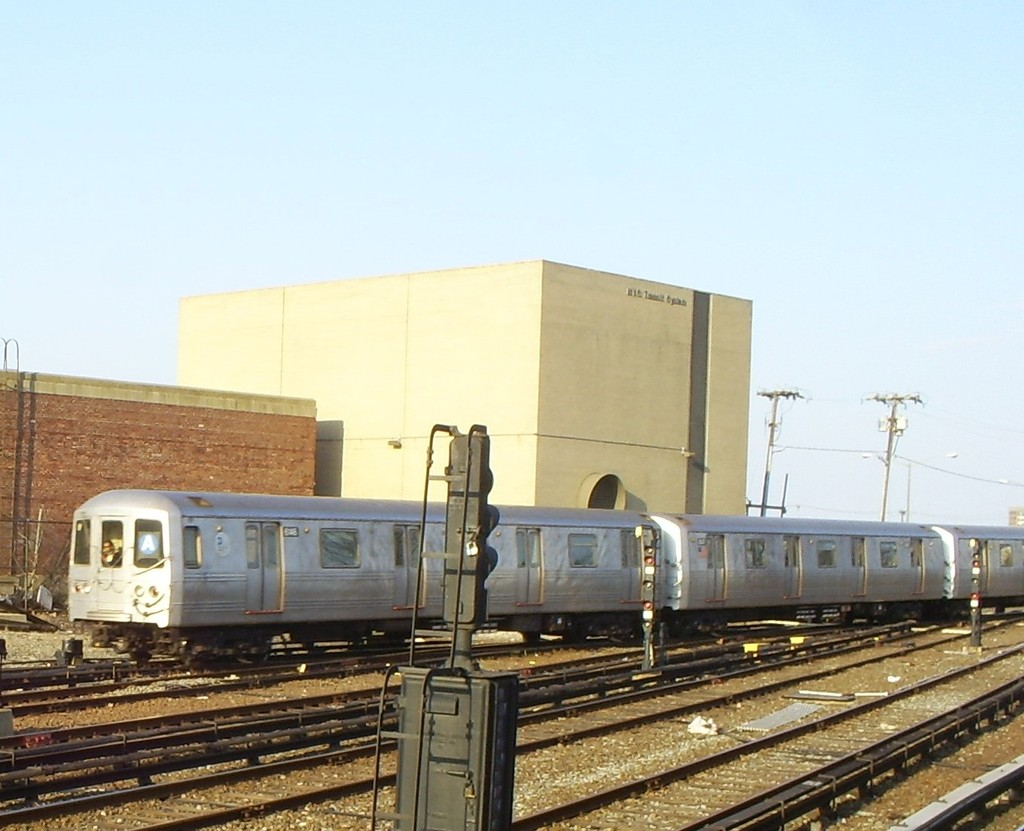 (167k, 1024x831)<br><b>Country:</b> United States<br><b>City:</b> New York<br><b>System:</b> New York City Transit<br><b>Location:</b> Rockaway Park Yard<br><b>Route:</b> A<br><b>Car:</b> R-46 (Pullman-Standard, 1974-75) 6146 <br><b>Photo by:</b> Christopher Henderson<br><b>Date:</b> 3/18/2009<br><b>Viewed (this week/total):</b> 0 / 1120
