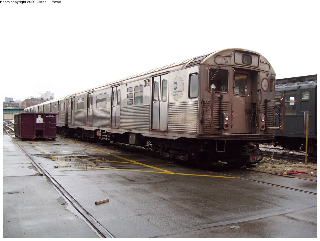 (182k, 1044x788)<br><b>Country:</b> United States<br><b>City:</b> New York<br><b>System:</b> New York City Transit<br><b>Location:</b> 207th Street Yard<br><b>Car:</b> R-38 (St. Louis, 1966-1967)  4059 <br><b>Photo by:</b> Glenn L. Rowe<br><b>Date:</b> 3/20/2009<br><b>Viewed (this week/total):</b> 0 / 1074