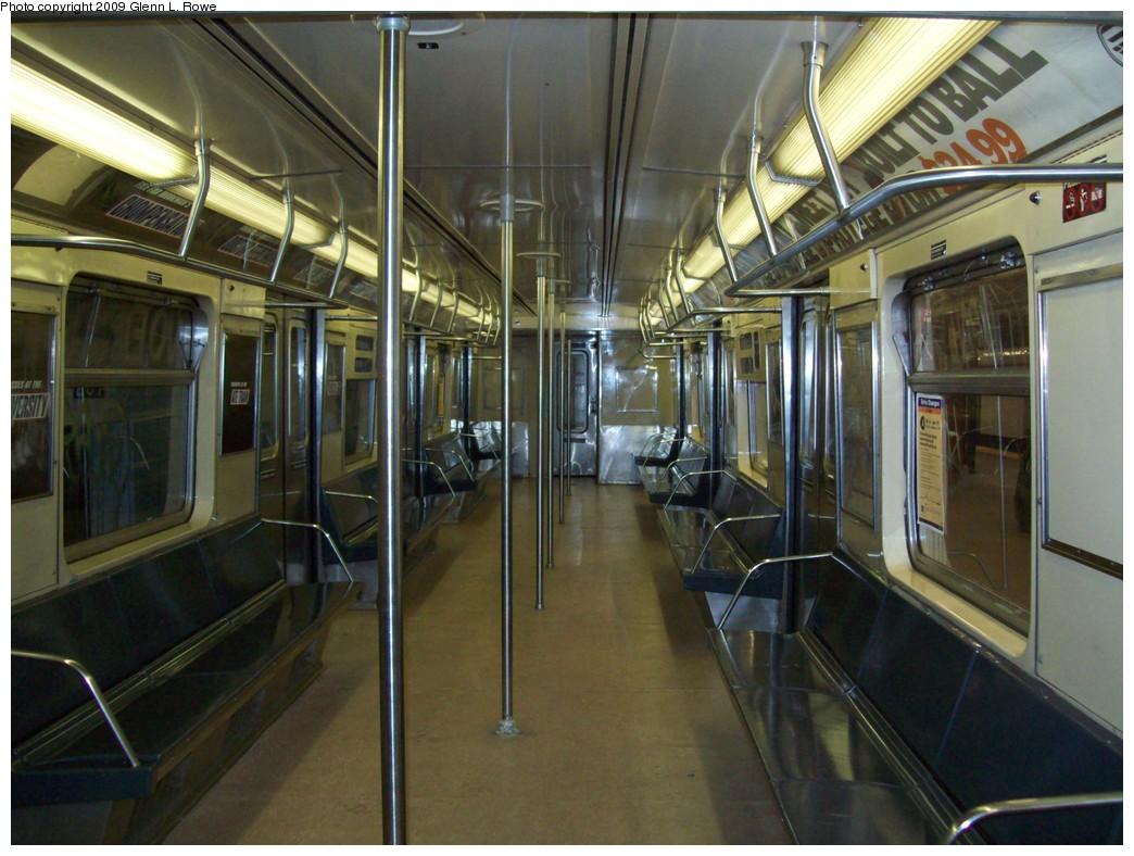 (217k, 1044x788)<br><b>Country:</b> United States<br><b>City:</b> New York<br><b>System:</b> New York City Transit<br><b>Car:</b> R-40 (St. Louis, 1968)  4152 <br><b>Photo by:</b> Glenn L. Rowe<br><b>Date:</b> 3/20/2009<br><b>Viewed (this week/total):</b> 1 / 1107