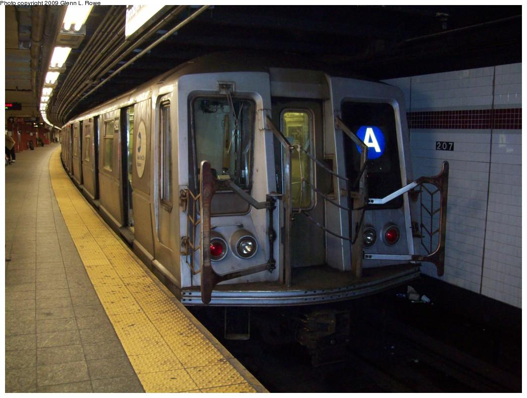 (199k, 1044x788)<br><b>Country:</b> United States<br><b>City:</b> New York<br><b>System:</b> New York City Transit<br><b>Line:</b> IND 8th Avenue Line<br><b>Location:</b> 207th Street <br><b>Route:</b> A<br><b>Car:</b> R-40 (St. Louis, 1968)  4292 <br><b>Photo by:</b> Glenn L. Rowe<br><b>Date:</b> 3/20/2009<br><b>Viewed (this week/total):</b> 3 / 1003