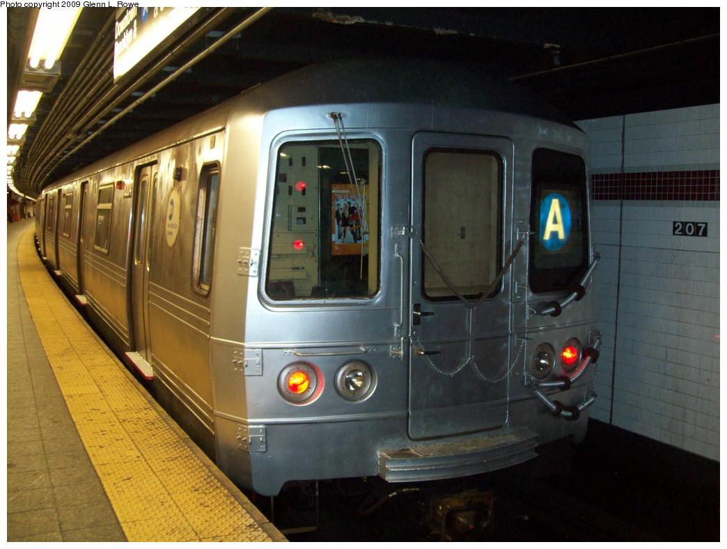 (201k, 1044x788)<br><b>Country:</b> United States<br><b>City:</b> New York<br><b>System:</b> New York City Transit<br><b>Line:</b> IND 8th Avenue Line<br><b>Location:</b> 207th Street <br><b>Route:</b> A<br><b>Car:</b> R-46 (Pullman-Standard, 1974-75) 6204 <br><b>Photo by:</b> Glenn L. Rowe<br><b>Date:</b> 3/20/2009<br><b>Viewed (this week/total):</b> 3 / 1348