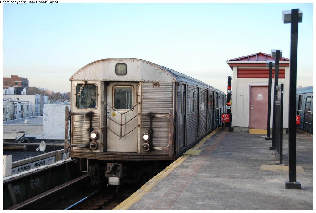 (221k, 1044x705)<br><b>Country:</b> United States<br><b>City:</b> New York<br><b>System:</b> New York City Transit<br><b>Line:</b> BMT Culver Line<br><b>Location:</b> Kings Highway <br><b>Route:</b> F<br><b>Car:</b> R-32 (Budd, 1964)  3805 <br><b>Photo by:</b> Robert Taylor<br><b>Date:</b> 1/26/2009<br><b>Viewed (this week/total):</b> 5 / 1111