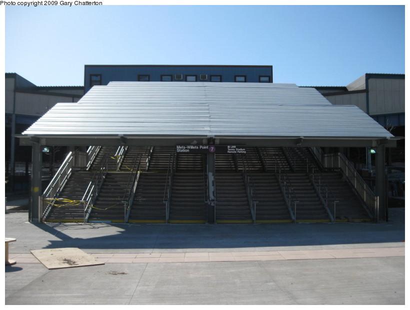 (98k, 820x620)<br><b>Country:</b> United States<br><b>City:</b> New York<br><b>System:</b> New York City Transit<br><b>Line:</b> IRT Flushing Line<br><b>Location:</b> Willets Point/Mets (fmr. Shea Stadium) <br><b>Photo by:</b> Gary Chatterton<br><b>Date:</b> 3/21/2009<br><b>Notes:</b> New stairs & signs at Willets Pt.<br><b>Viewed (this week/total):</b> 2 / 1678