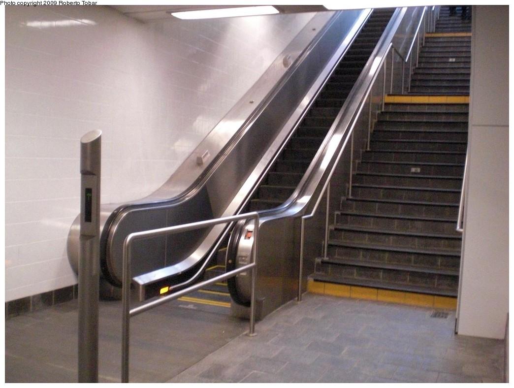 (222k, 1044x788)<br><b>Country:</b> United States<br><b>City:</b> New York<br><b>System:</b> New York City Transit<br><b>Line:</b> IRT West Side Line<br><b>Location:</b> South Ferry (New Station) <br><b>Photo by:</b> Roberto C. Tobar<br><b>Date:</b> 3/20/2009<br><b>Notes:</b> Escalator at secondary exit.<br><b>Viewed (this week/total):</b> 2 / 1285