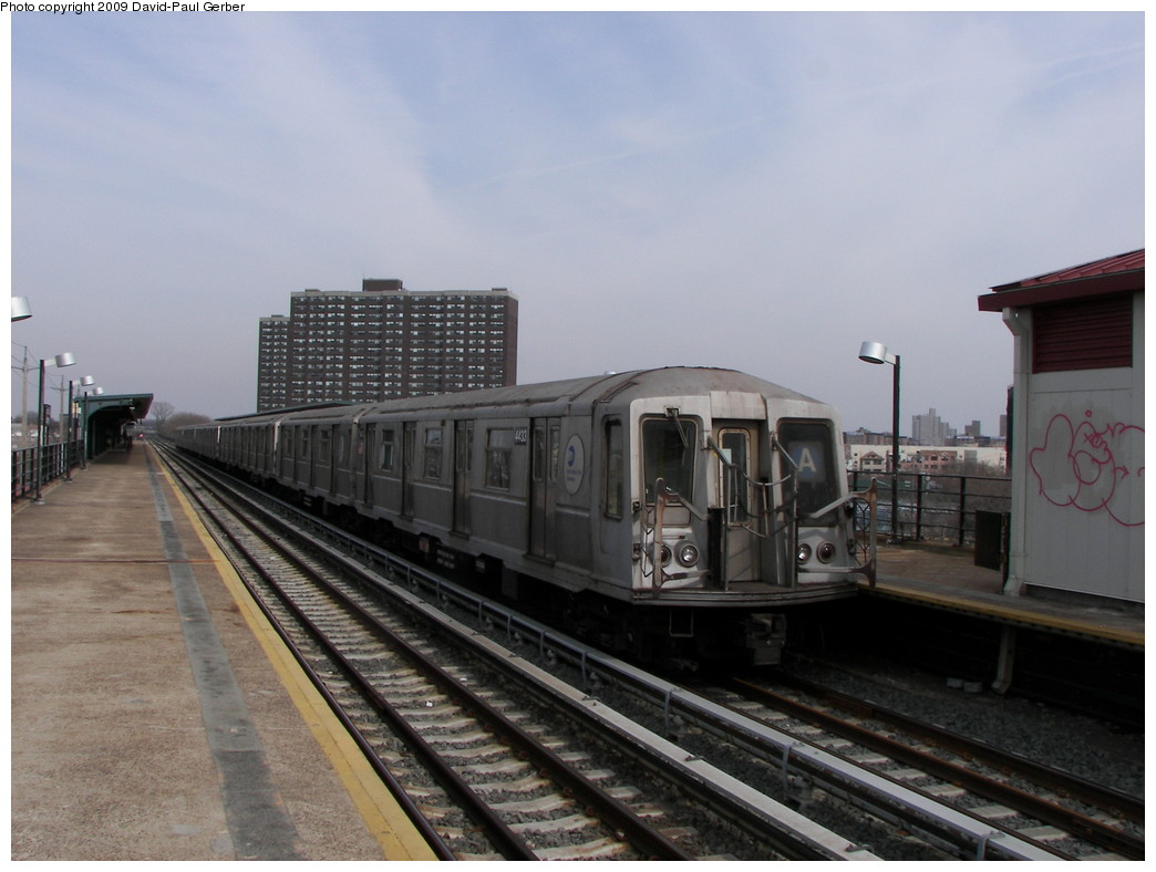 (228k, 1044x788)<br><b>Country:</b> United States<br><b>City:</b> New York<br><b>System:</b> New York City Transit<br><b>Line:</b> IND Rockaway<br><b>Location:</b> Beach 36th Street/Edgemere <br><b>Route:</b> A<br><b>Car:</b> R-40 (St. Louis, 1968)  4433 <br><b>Photo by:</b> David-Paul Gerber<br><b>Date:</b> 3/14/2009<br><b>Viewed (this week/total):</b> 0 / 1290