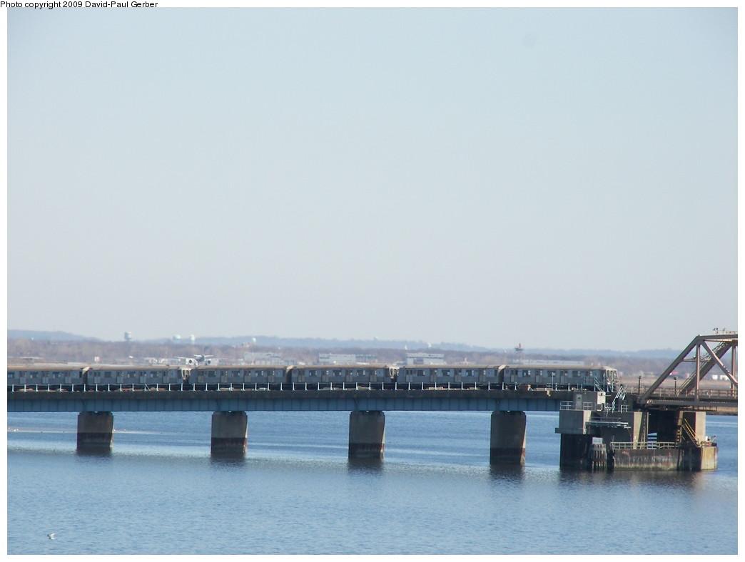 (174k, 1044x788)<br><b>Country:</b> United States<br><b>City:</b> New York<br><b>System:</b> New York City Transit<br><b>Line:</b> IND Rockaway<br><b>Location:</b> South Channel Bridge <br><b>Route:</b> A<br><b>Car:</b> R-40 (St. Louis, 1968)   <br><b>Photo by:</b> David-Paul Gerber<br><b>Date:</b> 3/21/2009<br><b>Viewed (this week/total):</b> 0 / 1176