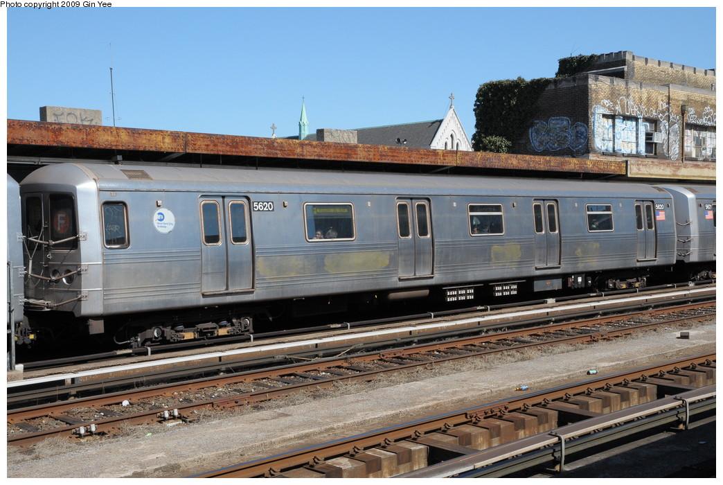 (286k, 1044x700)<br><b>Country:</b> United States<br><b>City:</b> New York<br><b>System:</b> New York City Transit<br><b>Line:</b> IND Crosstown Line<br><b>Location:</b> 4th Avenue <br><b>Route:</b> F<br><b>Car:</b> R-46 (Pullman-Standard, 1974-75) 5620 <br><b>Photo by:</b> Gin Yee<br><b>Date:</b> 3/23/2009<br><b>Viewed (this week/total):</b> 0 / 983
