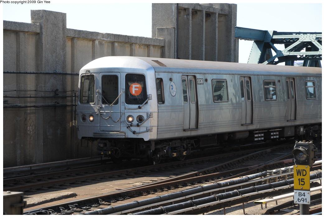 (264k, 1044x700)<br><b>Country:</b> United States<br><b>City:</b> New York<br><b>System:</b> New York City Transit<br><b>Line:</b> IND Crosstown Line<br><b>Location:</b> 4th Avenue <br><b>Route:</b> F<br><b>Car:</b> R-46 (Pullman-Standard, 1974-75) 5536 <br><b>Photo by:</b> Gin Yee<br><b>Date:</b> 3/23/2009<br><b>Viewed (this week/total):</b> 0 / 945
