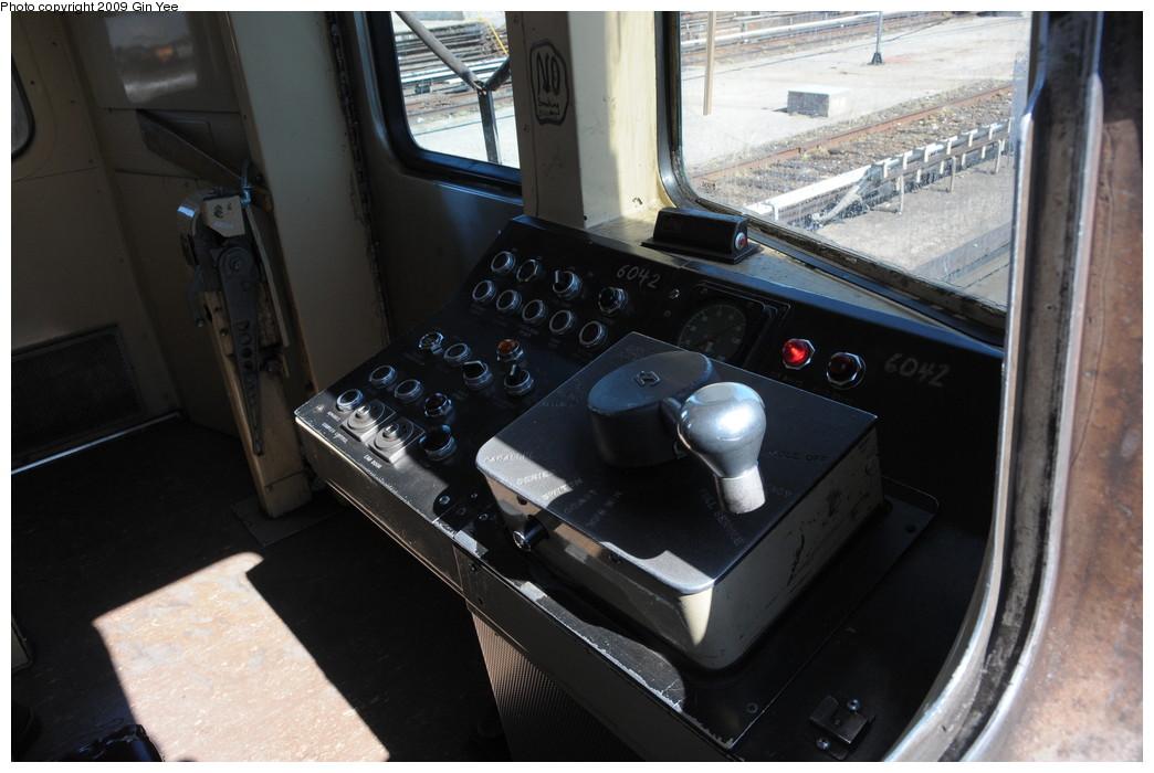 (229k, 1044x700)<br><b>Country:</b> United States<br><b>City:</b> New York<br><b>System:</b> New York City Transit<br><b>Route:</b> G<br><b>Car:</b> R-46 (Pullman-Standard, 1974-75) 6042 <br><b>Photo by:</b> Gin Yee<br><b>Date:</b> 3/23/2009<br><b>Viewed (this week/total):</b> 0 / 1588