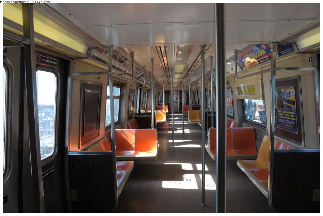 (234k, 1044x700)<br><b>Country:</b> United States<br><b>City:</b> New York<br><b>System:</b> New York City Transit<br><b>Route:</b> G<br><b>Car:</b> R-46 (Pullman-Standard, 1974-75) 5580 <br><b>Photo by:</b> Gin Yee<br><b>Date:</b> 3/23/2009<br><b>Viewed (this week/total):</b> 2 / 1075