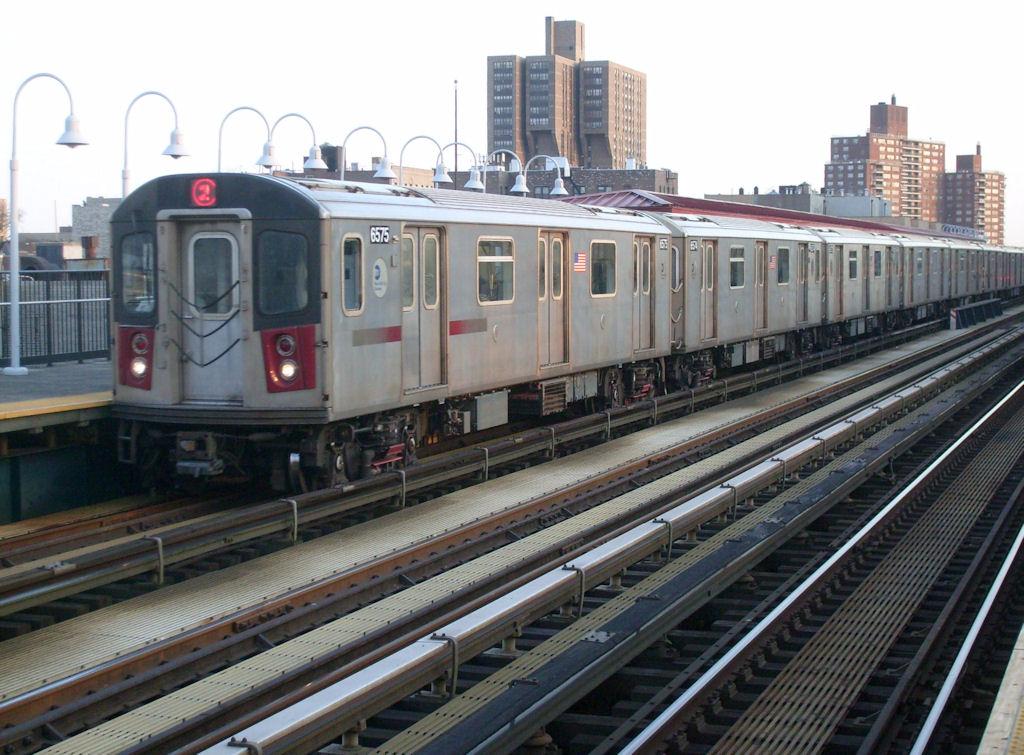 (182k, 1024x755)<br><b>Country:</b> United States<br><b>City:</b> New York<br><b>System:</b> New York City Transit<br><b>Line:</b> IRT White Plains Road Line<br><b>Location:</b> Allerton Avenue <br><b>Route:</b> 5<br><b>Car:</b> R-142 (Primary Order, Bombardier, 1999-2002)  6575 <br><b>Photo by:</b> Oswaldo C.<br><b>Date:</b> 3/18/2009<br><b>Viewed (this week/total):</b> 0 / 1691
