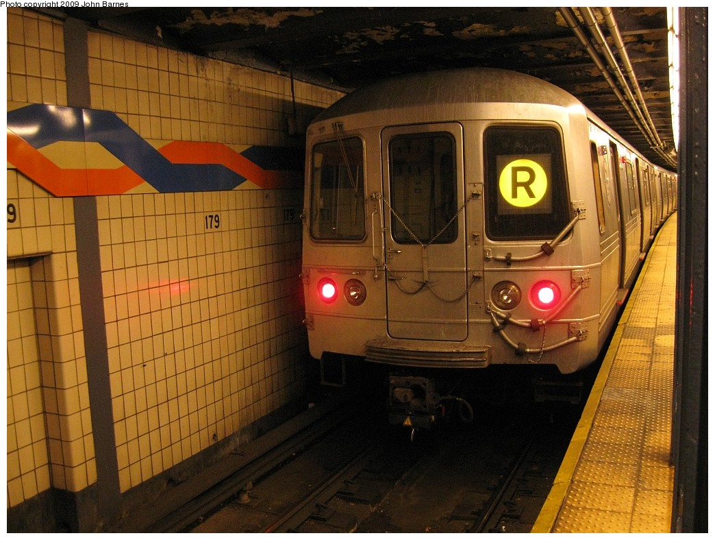 (247k, 1044x788)<br><b>Country:</b> United States<br><b>City:</b> New York<br><b>System:</b> New York City Transit<br><b>Line:</b> IND Queens Boulevard Line<br><b>Location:</b> 179th Street <br><b>Route:</b> R<br><b>Car:</b> R-46 (Pullman-Standard, 1974-75) 5690 <br><b>Photo by:</b> John Barnes<br><b>Date:</b> 3/21/2009<br><b>Viewed (this week/total):</b> 0 / 1419