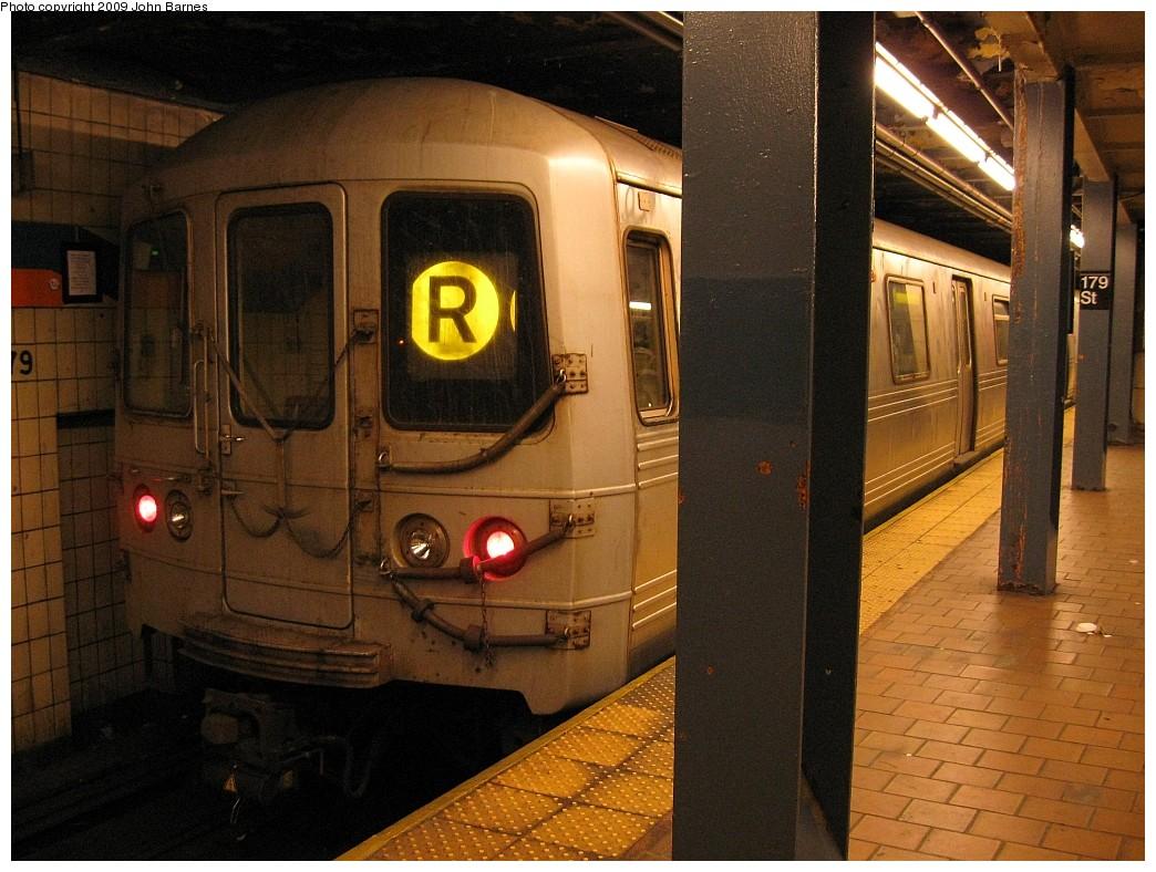 (235k, 1044x788)<br><b>Country:</b> United States<br><b>City:</b> New York<br><b>System:</b> New York City Transit<br><b>Line:</b> IND Queens Boulevard Line<br><b>Location:</b> 179th Street <br><b>Route:</b> R<br><b>Car:</b> R-46 (Pullman-Standard, 1974-75) 5602 <br><b>Photo by:</b> John Barnes<br><b>Date:</b> 3/22/2009<br><b>Viewed (this week/total):</b> 0 / 1412