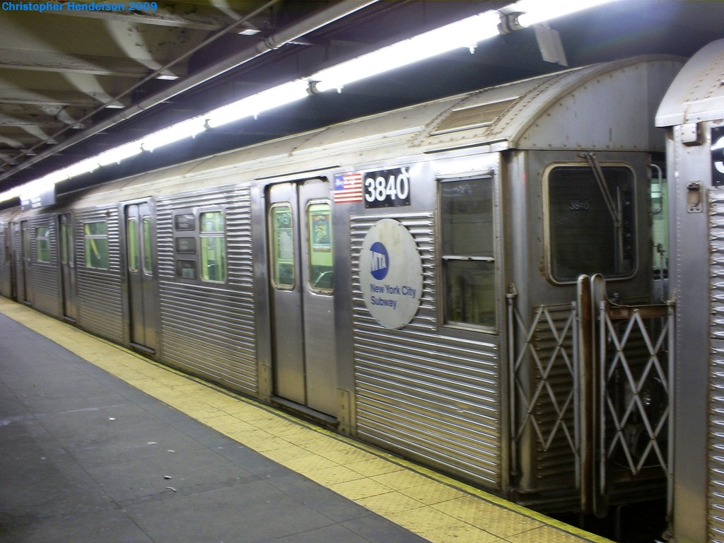 (194k, 1024x768)<br><b>Country:</b> United States<br><b>City:</b> New York<br><b>System:</b> New York City Transit<br><b>Line:</b> IND 8th Avenue Line<br><b>Location:</b> 168th Street <br><b>Route:</b> E<br><b>Car:</b> R-32 (Budd, 1964)  3840 <br><b>Photo by:</b> Christopher Henderson<br><b>Date:</b> 3/23/2009<br><b>Notes:</b> 3840 was the first R32 to go through the GOH program.<br><b>Viewed (this week/total):</b> 0 / 1501