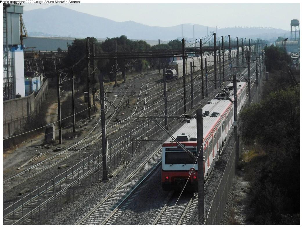 (258k, 1044x788)<br><b>Country:</b> Mexico<br><b>City:</b> Mexico City<br><b>System:</b> Ferrocarril Suburbano de la Zona Metropolitana de México (Suburban Railway)<br><b>Location:</b> Tultitlan <br><b>Photo by:</b> Jorge Arturo Monzón Abarca<br><b>Date:</b> 1/11/2009<br><b>Viewed (this week/total):</b> 1 / 447