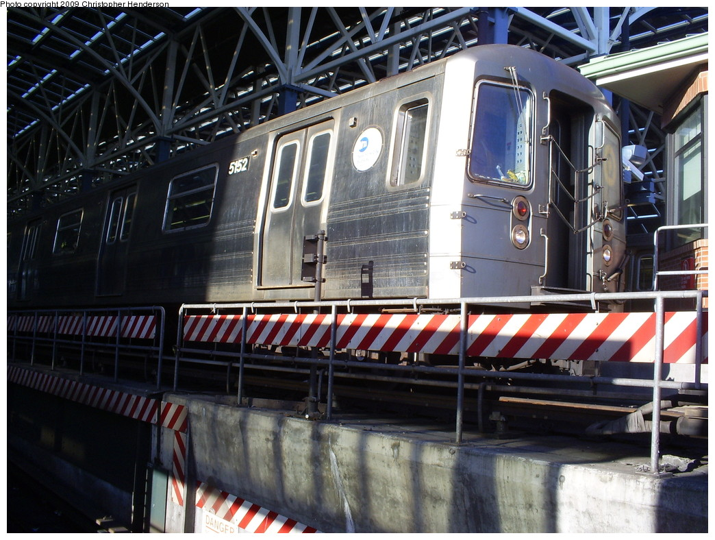 (299k, 1044x788)<br><b>Country:</b> United States<br><b>City:</b> New York<br><b>System:</b> New York City Transit<br><b>Location:</b> Coney Island/Stillwell Avenue<br><b>Route:</b> Q<br><b>Car:</b> R-68A (Kawasaki, 1988-1989)  5152 <br><b>Photo by:</b> Christopher Henderson<br><b>Date:</b> 3/24/2009<br><b>Viewed (this week/total):</b> 0 / 1266