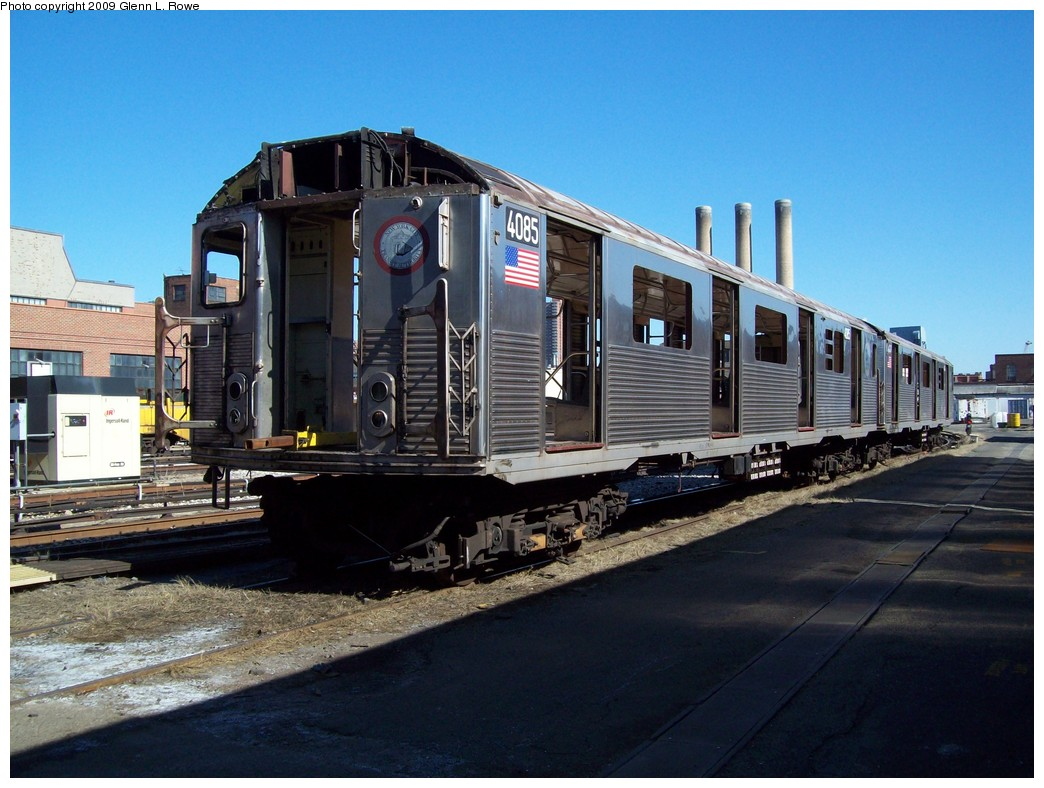 (220k, 1044x788)<br><b>Country:</b> United States<br><b>City:</b> New York<br><b>System:</b> New York City Transit<br><b>Location:</b> 207th Street Yard<br><b>Car:</b> R-38 (St. Louis, 1966-1967)  4085 <br><b>Photo by:</b> Glenn L. Rowe<br><b>Date:</b> 3/24/2009<br><b>Notes:</b> Scrap<br><b>Viewed (this week/total):</b> 0 / 950